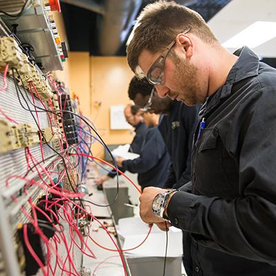 DEP Mécanique industrielle de construction et d'entretien - Diplôme d'Études Professionnelles