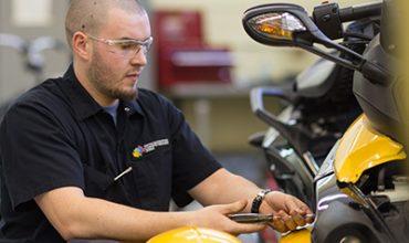 DEP Mécanique de véhicules légers - Diplôme d'Études Professionnelles
